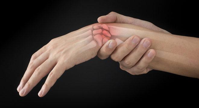 شکستگی زائده نیزه ای (استیلوئید) مچ دست. علائم و درمان